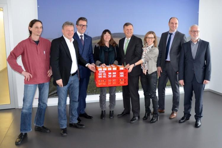 Ein Projektteam aus KNE- und SWT-Mitarbeiten haben die Genehmigungsunterlagen in nur sechs Monaten vorbereitet. Von links Markus Springer, Rolf Geister (beide KNE), Michael Kollete, Alfred Hemmes (beide SWT)